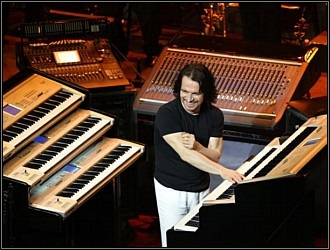 Keyboards Yanni Concert